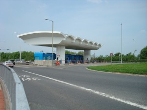 A38_Tamar_Bridge_Toll_Plazza_-_Coppermine_-_18057